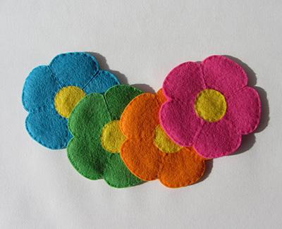 Felt flower coasters cover2