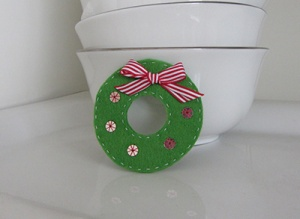 christmas-mini-wreath-cover2