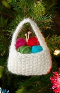 xmas-ornament-roundup2012-yarn