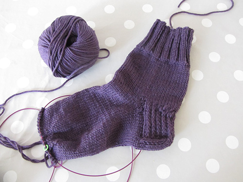 knitting-wip1-socks